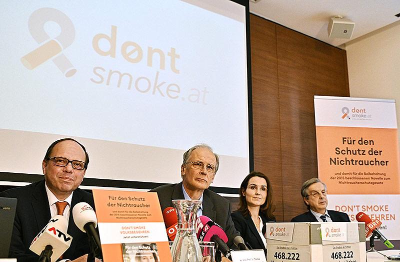 "(V.l.:) Thomas Szekeres (Ärztekammer Wien), Paul Sevelda (Krebshilfe), Daniela Jahn-Kuch, Hellmut Samonigg (Initiative ""Don't smoke"")"