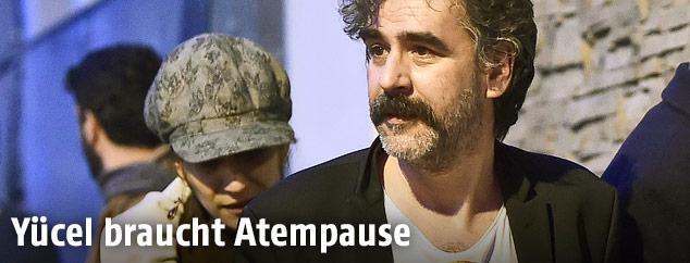 """""""Welt""""-Journalist Deniz Yücel nach seiner Freilassung"""