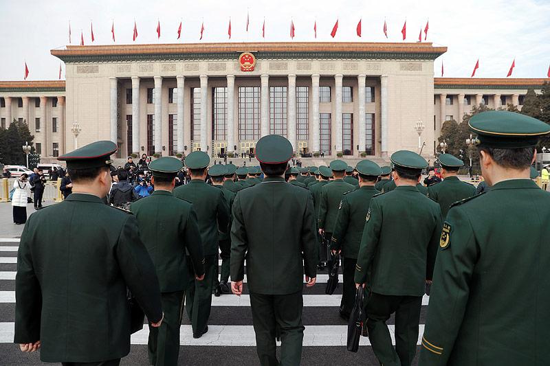 Militärpersonal am Tiananmen-Platz