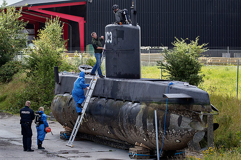 Peter Madsens U-Boot UC3 Nautilus wird untersucht