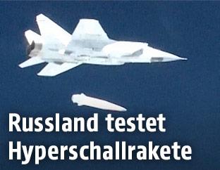 """Eine MiG-31 mit einer Hyperschallrakete vom Typ """"Kinschal"""""""