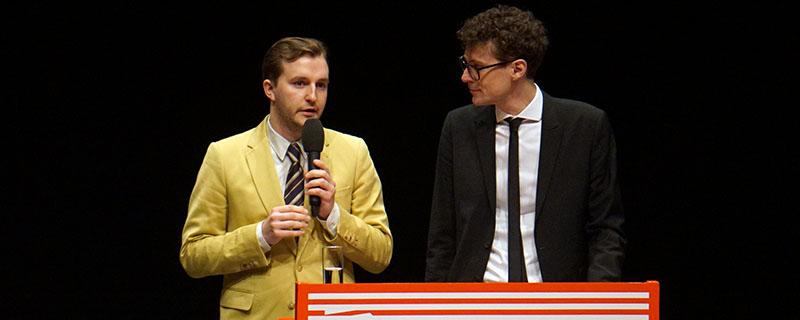 Das Intendantenduo Peter Schernhuber und Sebastian Höglinger bei der Eröffnung der 21. Diagonale in der Franz-List-Halle in Graz.