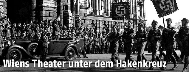 Nationalsozialisten vor dem Burgtheater, 1938