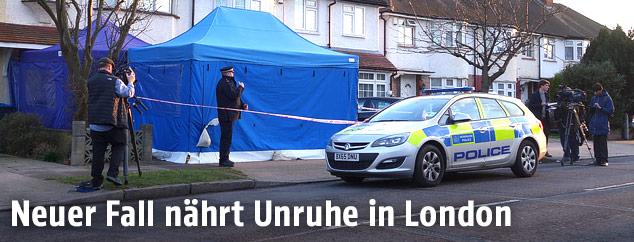 Polizeiauto vor dem Haus von Nikolai Gluschkow in London