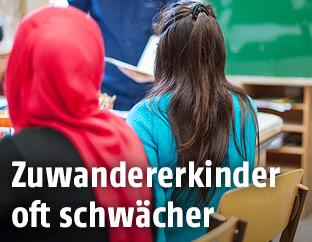 Schülerinnen in Klasse