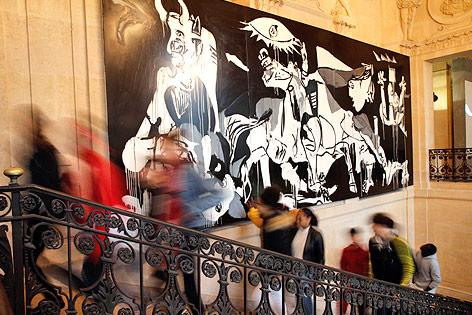 """Bild der """"Guernica""""-Ausstellung in Paris"""