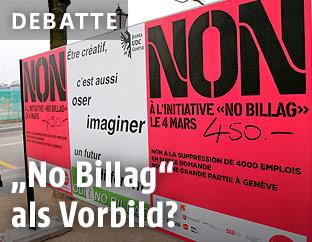 """Plakate der Befürworter und Gegner der """"No Billag""""-Abstimmung in der Schweiz"""