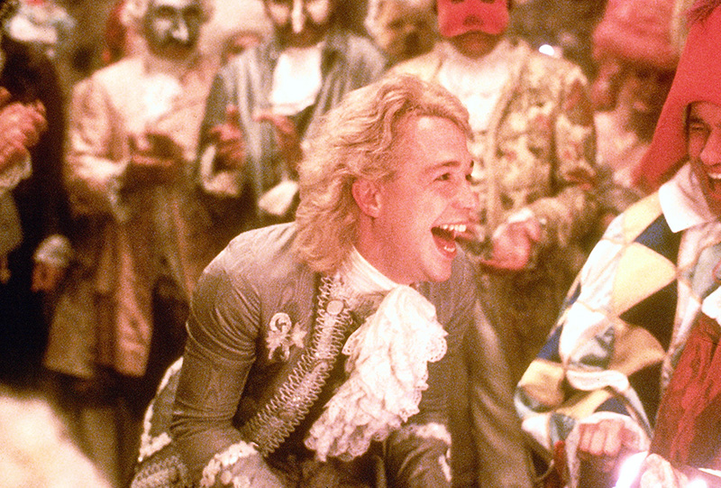 "Filmszene aus ""Amadeus"" (USA 1984) mit Tom Hulce als Wolgang Amadeus Mozart"