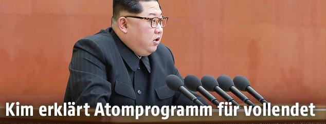 Nordkoreanischer Machthaber Kim Jong Un spricht vor seiner Partei