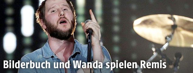 """Sänger Michael Marco Fitzthum von der Gruppe """"Wanda"""""""