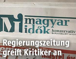 Junge Flüchtlinge hinter Stacheldraht - news.ORF.at