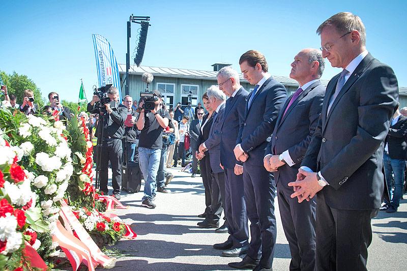 Bundespräsident Alexander Van der Bellen, Bundeskanzler Sebastian Kurz (ÖVP), Nationalratspräsident Wolfgang Sobotka (ÖVP) und Oberösterreichs Landeshauptmann Thomas Stelzer (ÖVP)