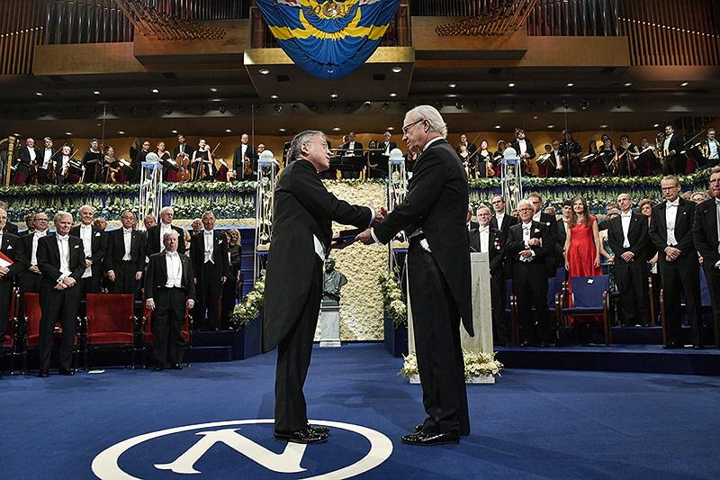 Kazuo Ishiguro und Carl XVI Gustaf