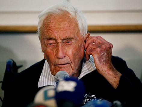 Der 104-jährige Australier David Goodall während einer Pressekonferenz