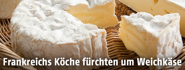 Aufgeschnittener Camembert-Käse