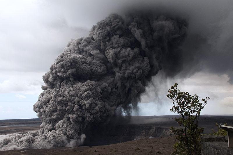 Aschwolke des Vulkans Kilauea