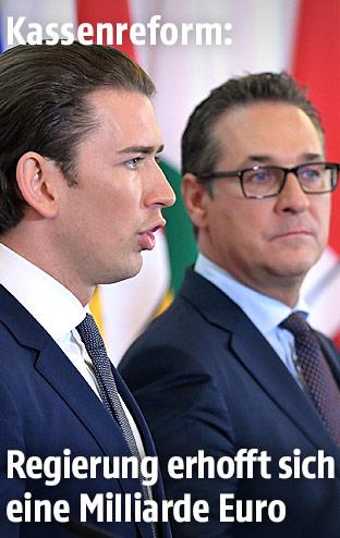 Bundeskanzler Sebastian Kurz und Vizekanzler Heinz-Christian Strache bei einer Pressekonferenz