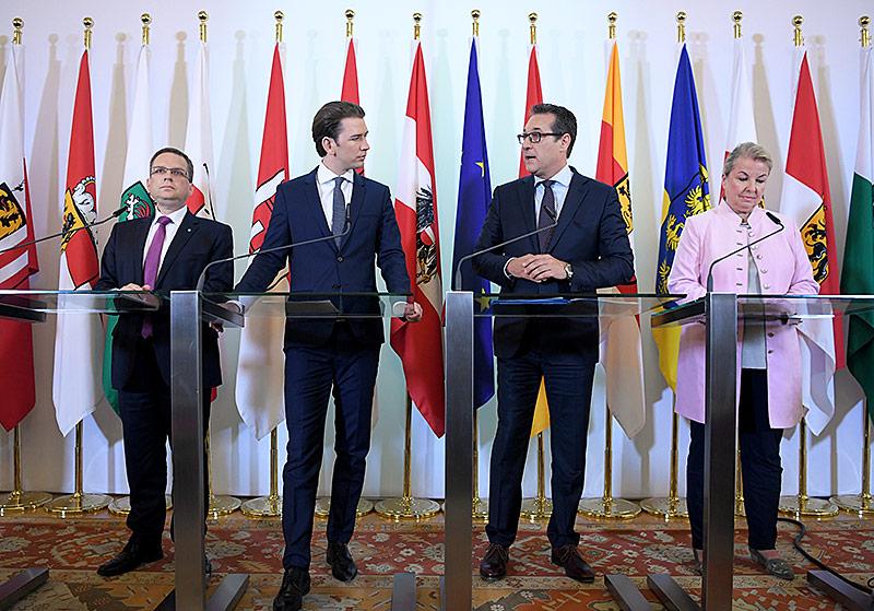 ÖVP-Klubobmann August Wöginger, Bundeskanzler Sebastian Kurz, Vizekanzler Heinz Christian Strache und Sozialministerin Beate Hartinger-Klein im Rahmen einer Pressekonferenz