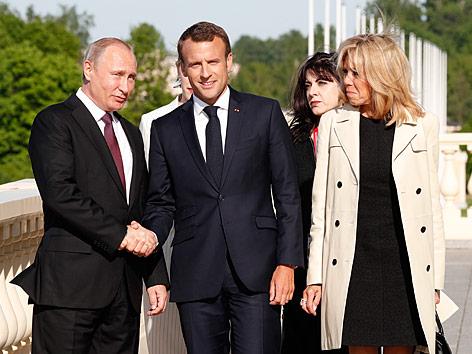 Putin und Macron in Sankt Petersburg zusammengetroffen