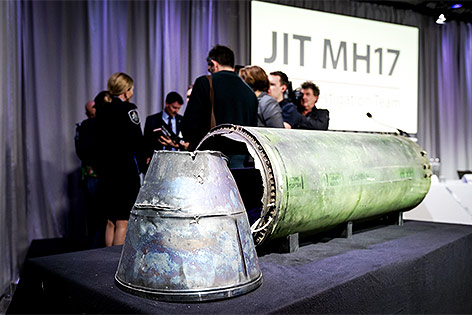 Teile der Rakete vom Typ Buk-Telar