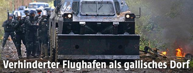 Gepanzertes Fahrzeug der Polizei