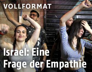 Tanzende Jugendliche in Jerusalem