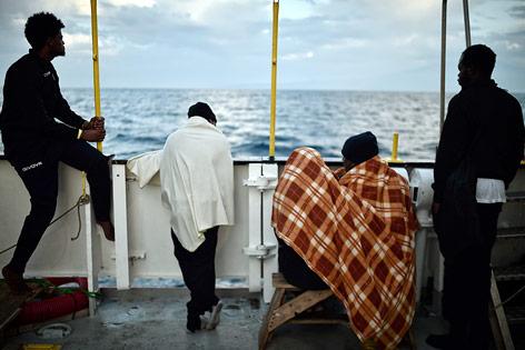 "Flüchtlinge auf dem Deck der ""Aquarius"""