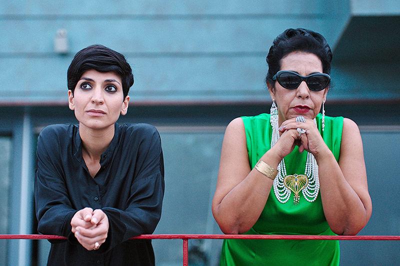 "Neda Rahamanian (Mitra) und Najia Skalli in ""Oum Kulthum"""
