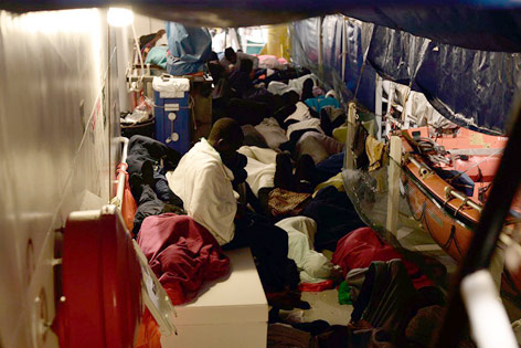 """Flüchtlinge an Bord der """"Aquarius"""""""