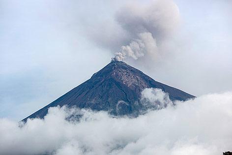 Drei Vulkane in Guatemala erneut sehr aktiv – news.ORF.at