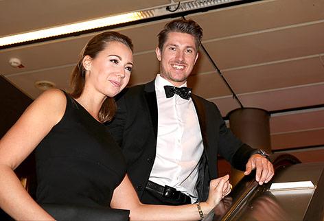 Marcel Hirscher mit seiner Frau Laura