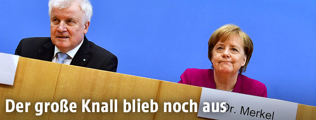 Der deutsche Innenminister Horst Seehofer (CSU) und die Bundeskanzlerin Angela Merkel (CDU)