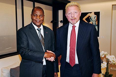 Präsidenten der ZAR, Faustin Archange Touadera, und Boris Becker