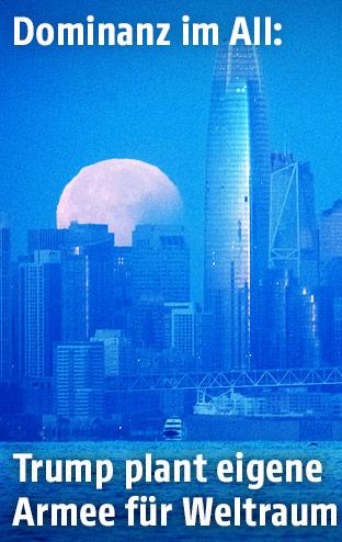 Skyline mit Mond