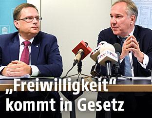 ÖVP-Klubchef August Wöginger und  FPÖ-Klubobmann Walter Rosenkranz.