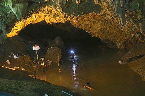 Höhle mit dem verschollenen Jugendfußballteam in Thailand