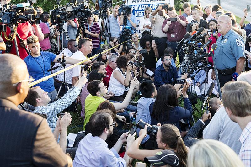 Großes Medieninteresse bei einer Pressekonferenz der Polizei