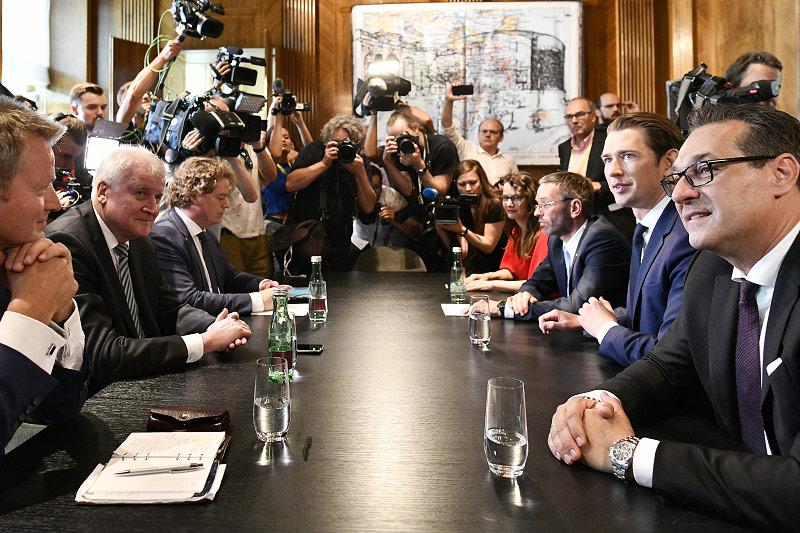 Horst Seehofer, Deutschlands Innenminister, Vizekanzler Heinz Christian Strache (FPÖ), Bundeskanzler Sebastian Kurz (ÖVP) Innenminister Herbert Kickl (FPÖ)