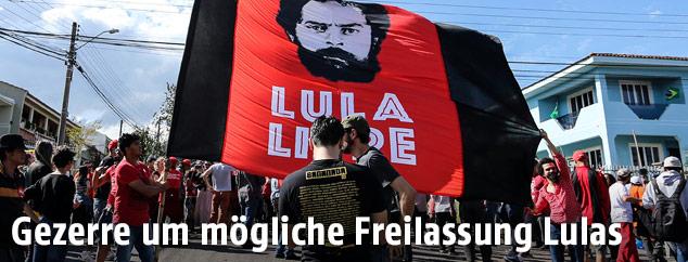 Demonstration für die Freilassung Lulas