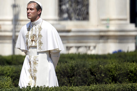 """Jude Law als """"The Young Pope"""""""