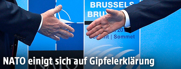 Handschlag am NATO-Gipfel