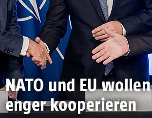 NATO-Generalsekretär Jens Stoltenberg sowie EU-Ratspräsident Donald Tusk und EU-Kommissionspräsident Jean-Claude Juncker