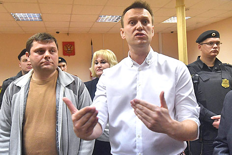 Pjotr Ofizerow und Alexej Nawalny