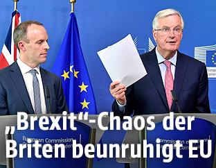 """Der neue britische """"Brexit""""-Minister Dominic Raab und EU-Chefverhandler Michel Barnier"""