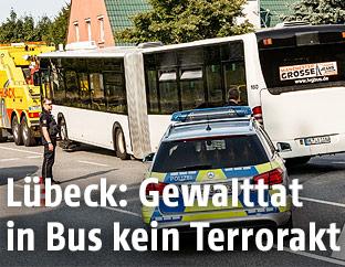 Bus und Polizei