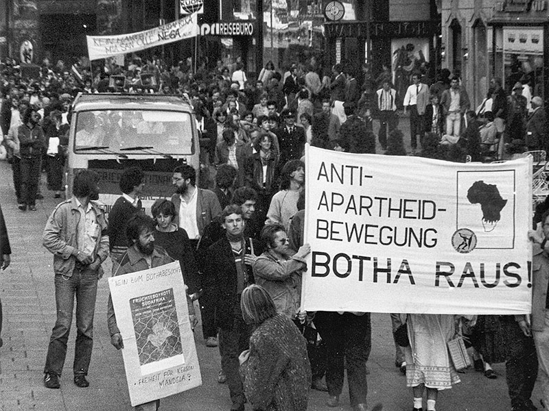 Demonstration 1984 in Wien gegen die Anti-Apartheid-Politik