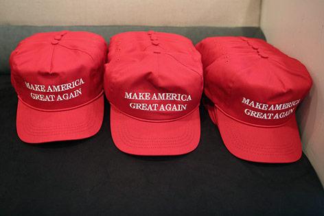 """Kappen mit der Aufschrift """"Make America great again"""""""