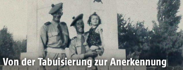 Historisches Bild mit Vater und Kleinkind