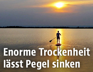 Stand-Up-Paddler am Zicksee