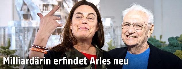 Kunstsammlerin Maja Hoffmann und Architekt Frank Gehry